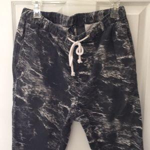 H&M's Divided joggers sz. 32 black & white pattern